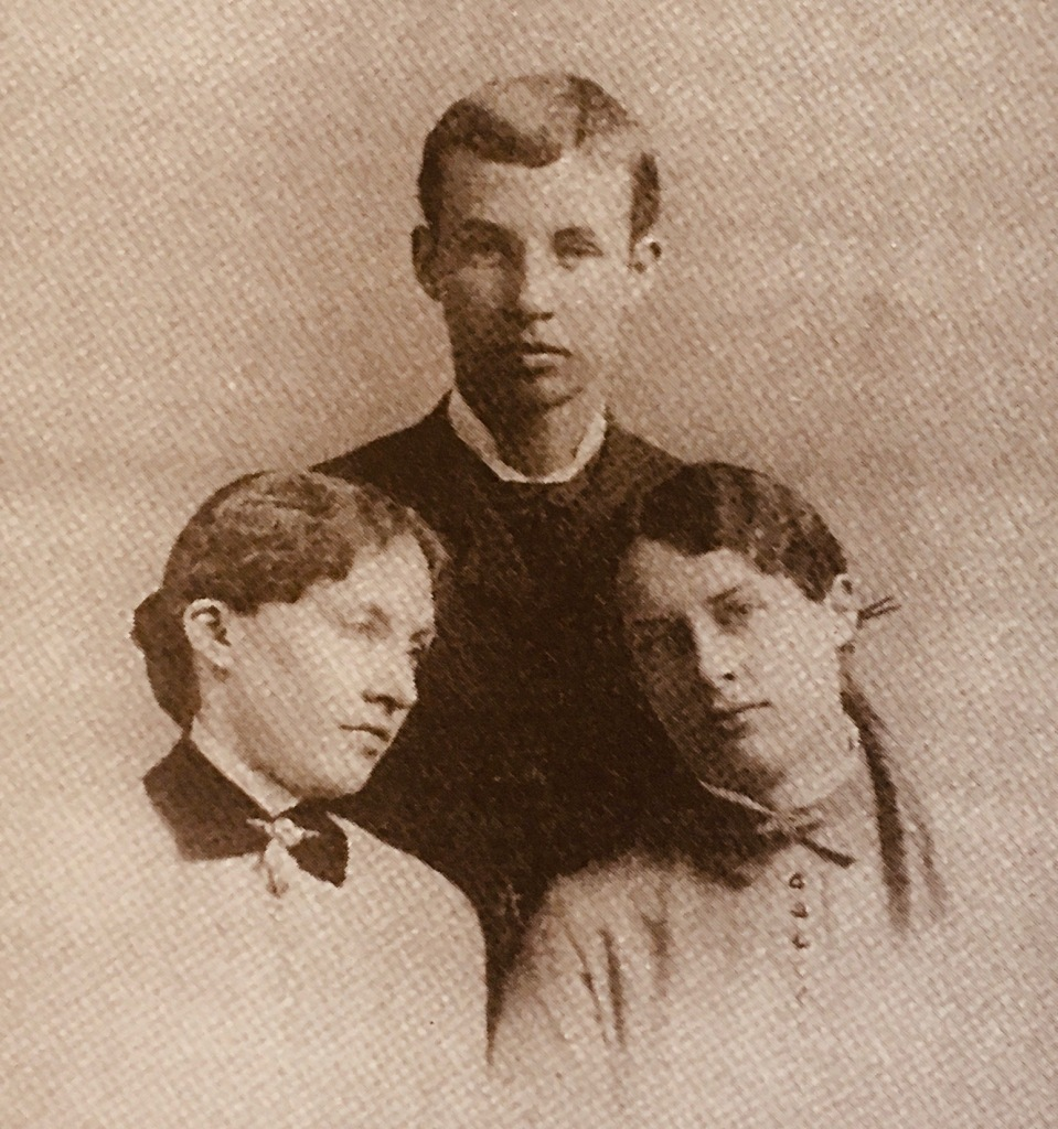 Quaker children in 19th century photograph